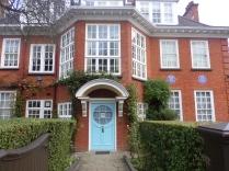 Sigmund Fraud House!